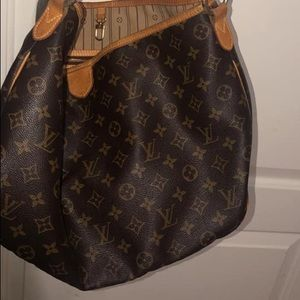 Pre-Owned Louis Vuitton Delightful PM